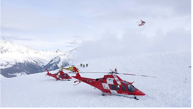 11 Snowboarders, Skiers Killed in Swiss Alps Avalanches